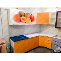Кухня Персик/оранж угловая 3,7 м (2,45*1,25 м)